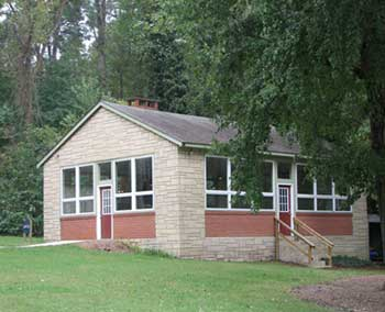 exterior image of lodge